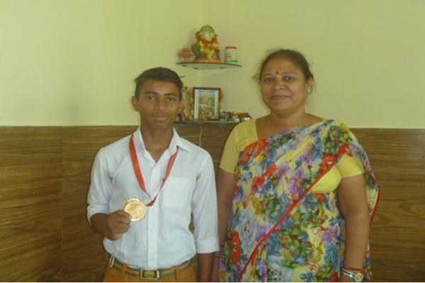 Sagar of Class 9th won gold medal on National Level in Taekwondo